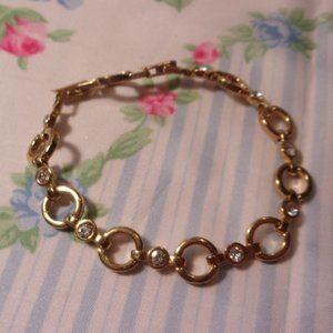 Avon Gold Tone Circle Link Bracelet